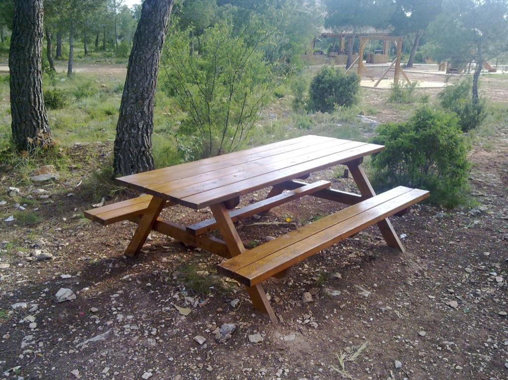 Mesas de picnic de madera para exterior incofusta fabrica de madera en valencia - Mesas de exterior de madera ...