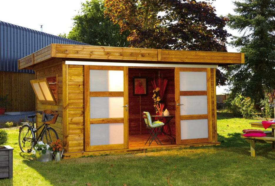 Casetas de madera incofusta fabrica de madera en valencia for Casetas para guardar herramientas de jardin