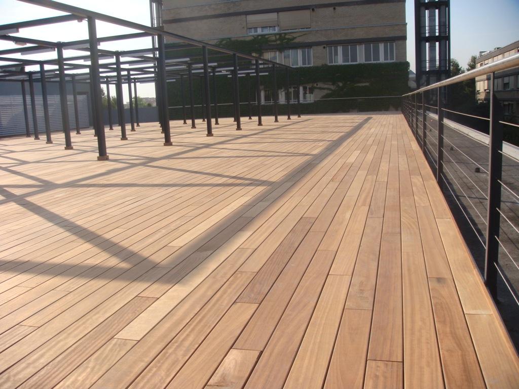 Suelos o tarimas de madera para exterior incofusta for Tipos suelos de madera