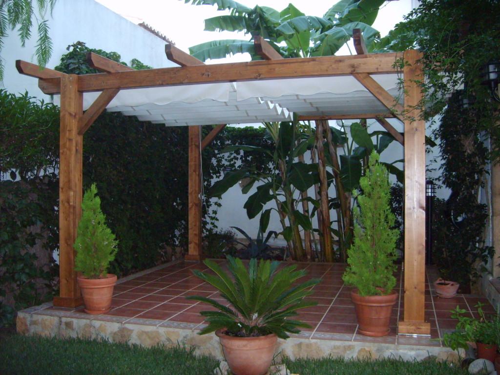 P rgolas de madera incofusta fabrica de madera en valencia for Jardin las pergolas