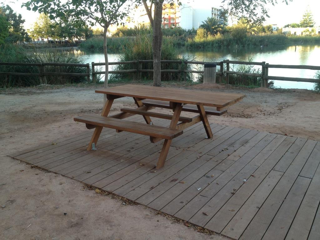 Mesas de picnic de madera para exterior incofusta for Mesas exterior baratas