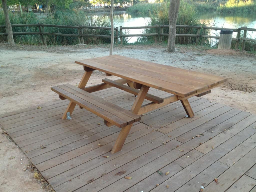 Mesas de picnic adaptadas