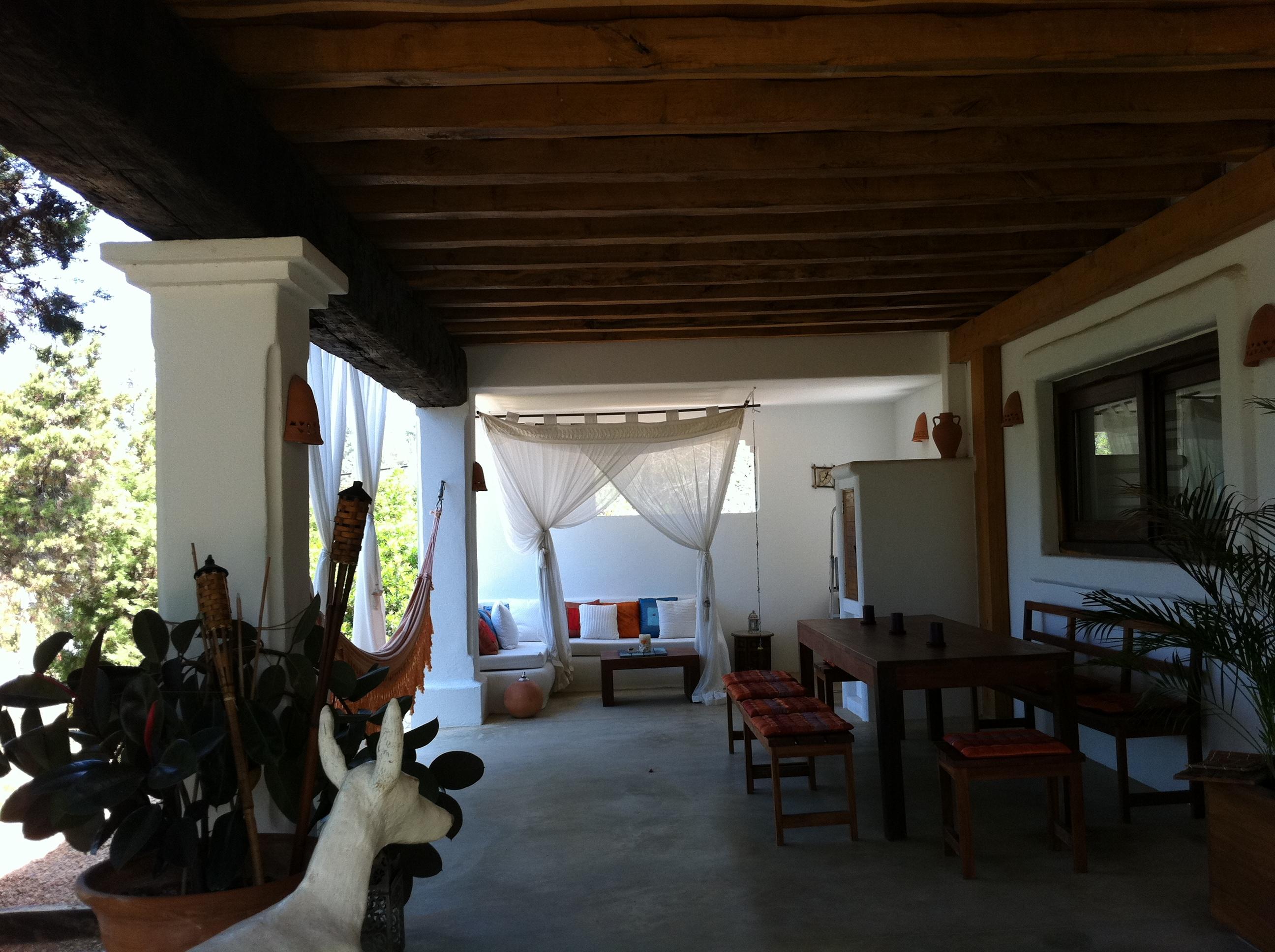 Porches rsticos de madera Incofusta fabrica de madera en Valencia