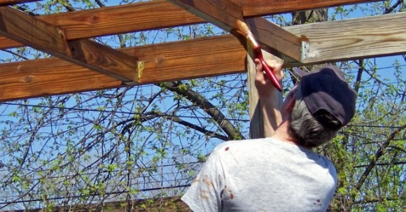 Mantener la madera en buen estado incofusta fabrica de - Barnizar madera exterior ...
