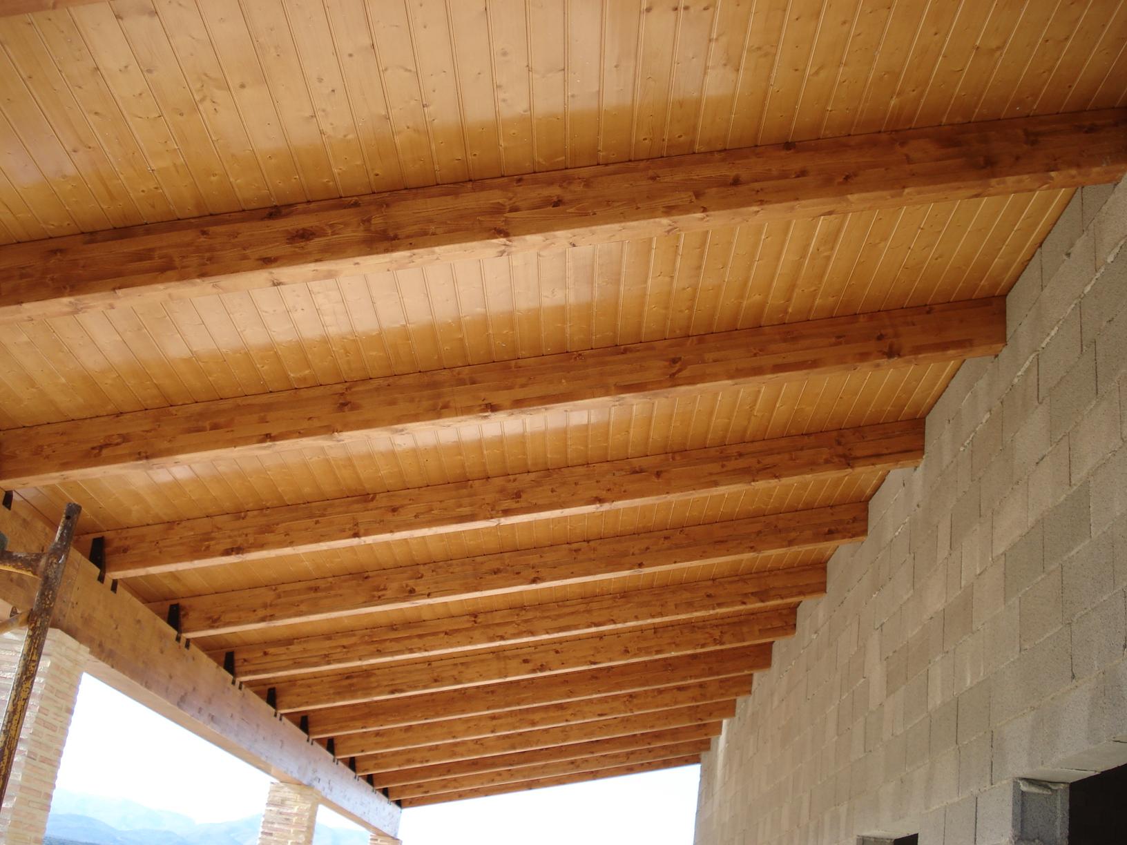 Acabados en cubiertas de madera incofusta fabrica de - Como pintar techos ...