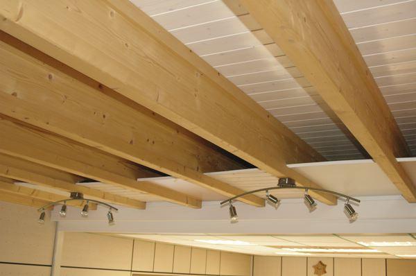 Vigas de madera para techos incofusta fabrica de madera for Como hacer tejados de madera