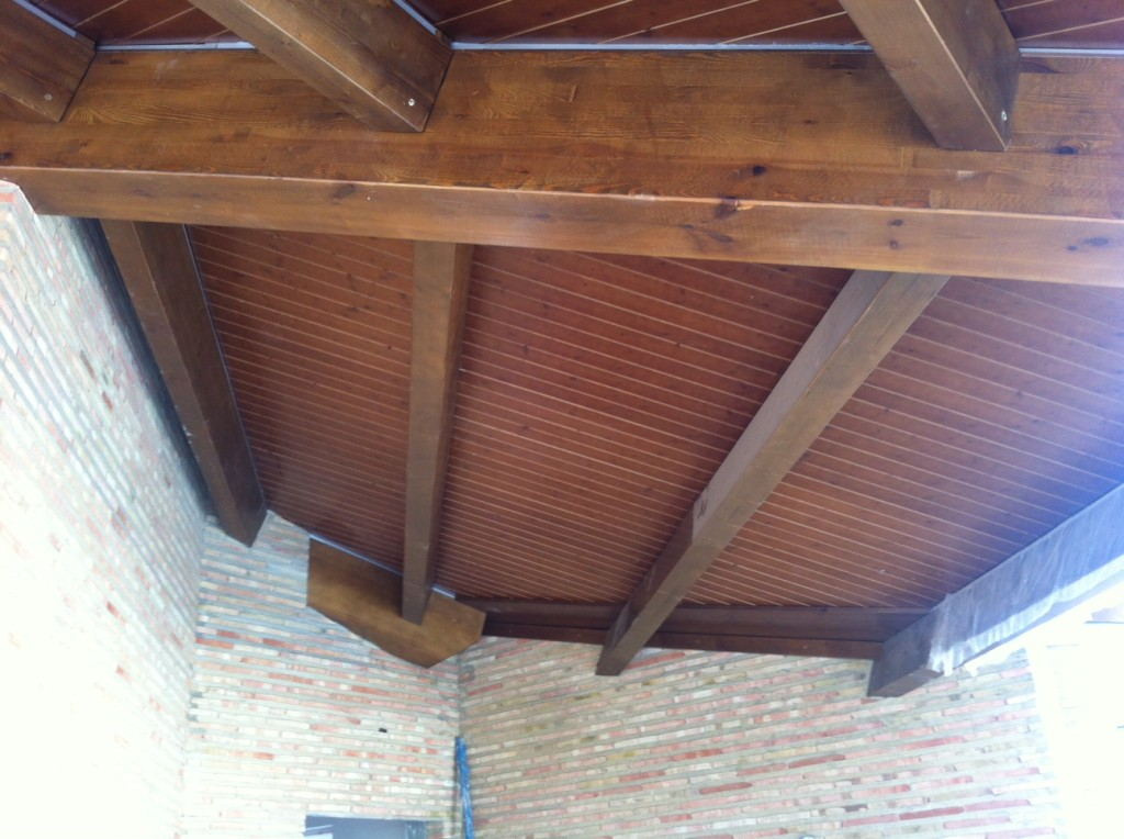 Vigas de madera para interior incofusta fabrica de - Vigas redondas de madera ...