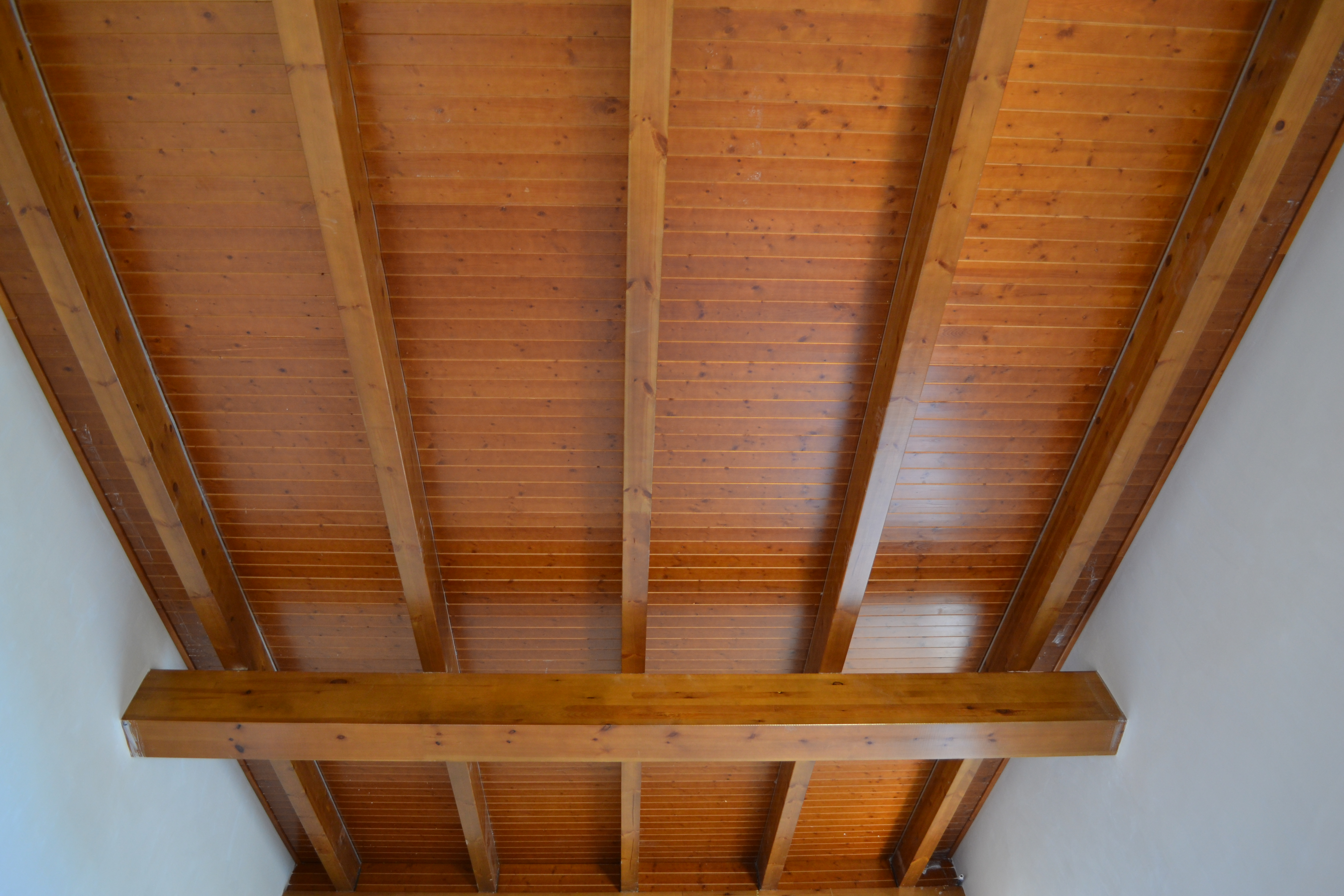 Tejados de madera laminada opci n perfecta incofusta - Casas de madera laminada ...