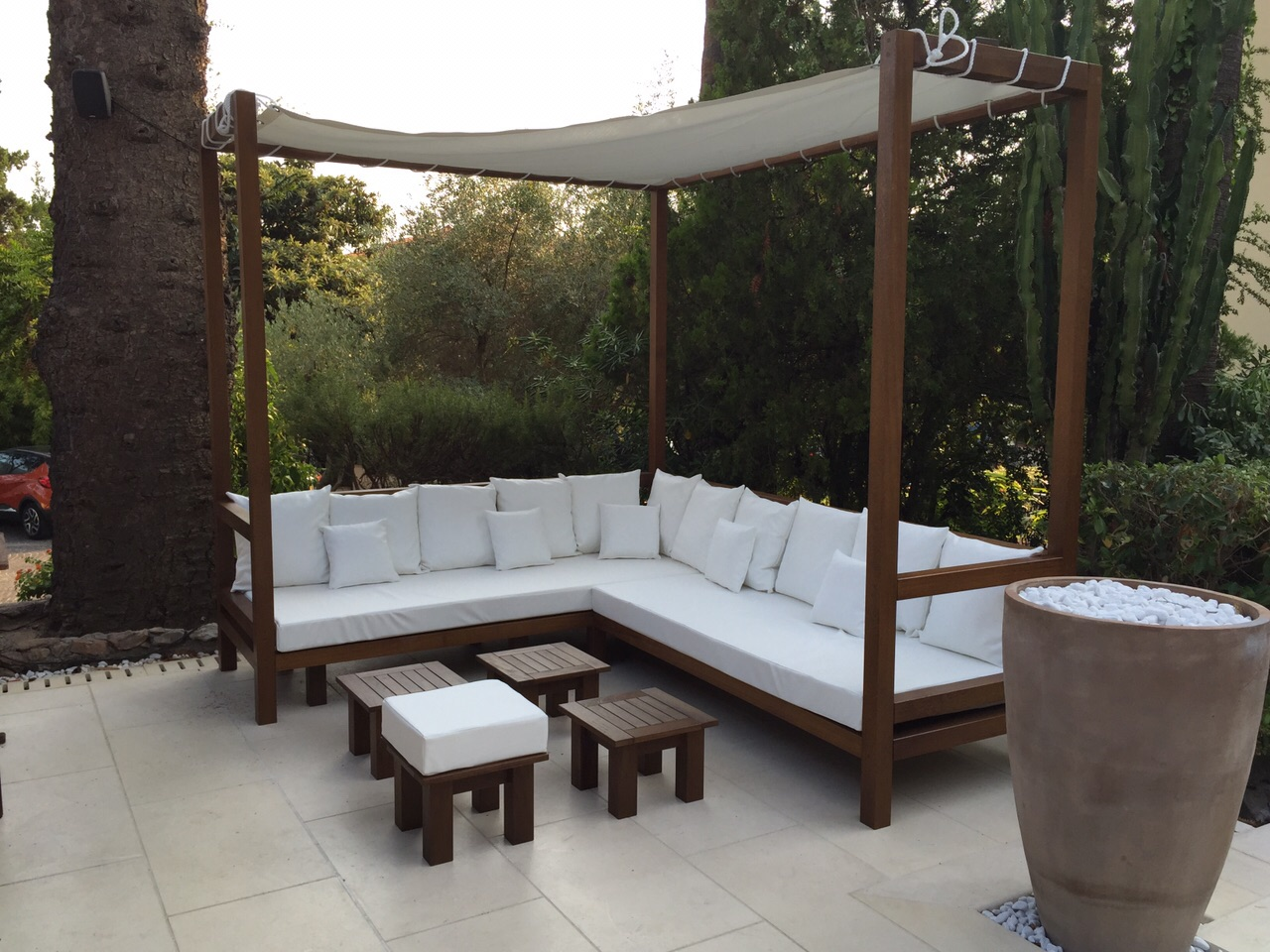 Camas chill out o camas balinesas incofusta fabrica de for Decoracion jardin chill out