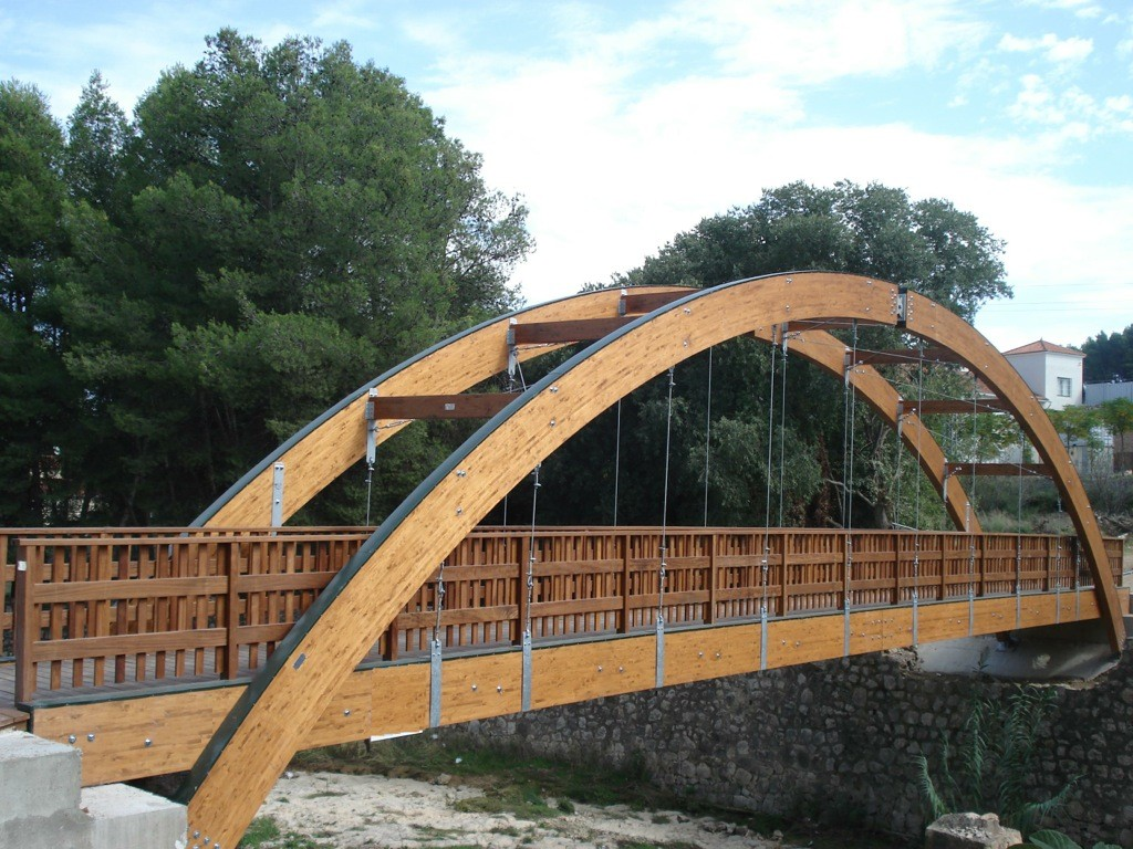 Puentes de madera incofusta fabrica de madera en valencia for Fotos en madera