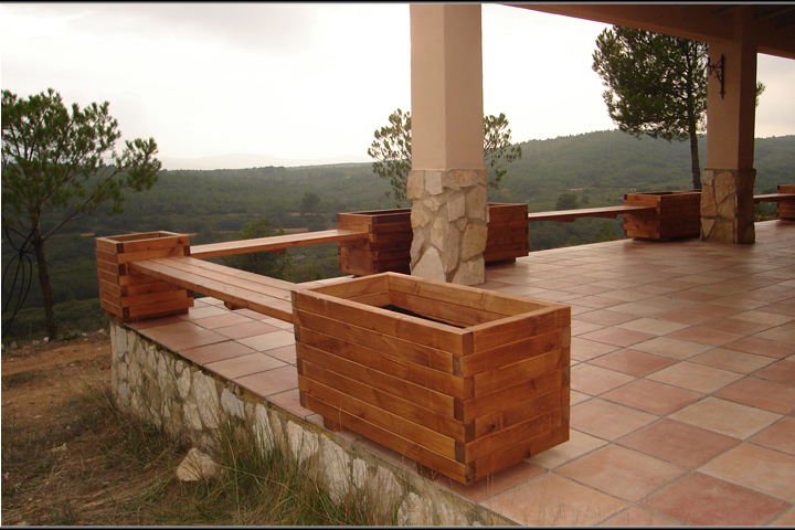 Jardineras o maceteros de madera incofusta fabrica de for Tipos de jardineras