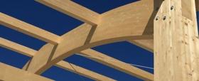 Madera laminada, vigas de madera y panel contralaminado